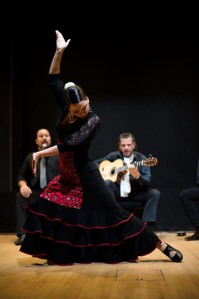 lydia-gallegos-flamenco-dancer (1)